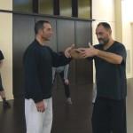 il Maestro Antonello Casarella a Brescia, perfeziona la postura di Bruno Ita